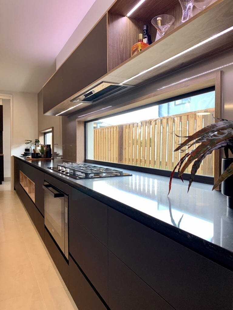 JC Interior Ideas _Black Kitchen